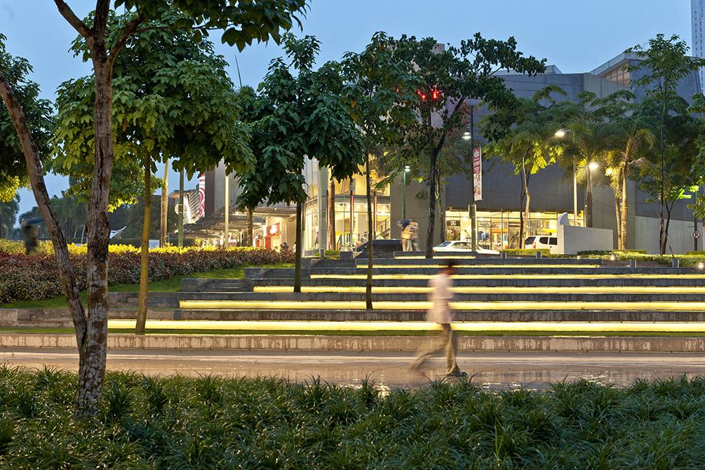 photo of lush cityscape, lsu landscape architecture alumni work