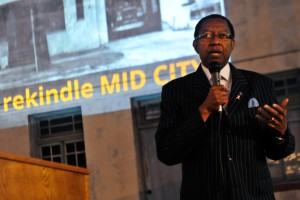Mayor speaks at lsu rekindle mid city studio project