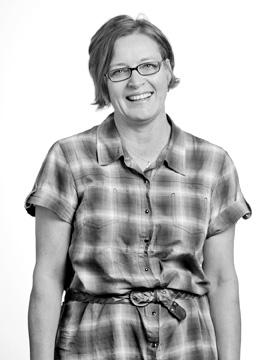 Lynne Baggett portrait, black and white