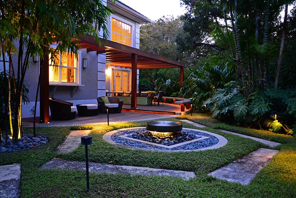 Outdoor patio and fire pit designed by Lewis Aqui , lsu landscape architecture alumni work