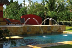 Modern fountain in tropical park; lsu landscape architecture alumni work