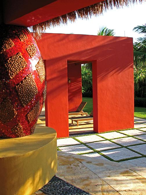 Outdoor seating area designed by Lewis Aqui , lsu landscape architecture alumni work