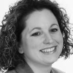 Juli Schroeder headshot, lsu interior design alumni