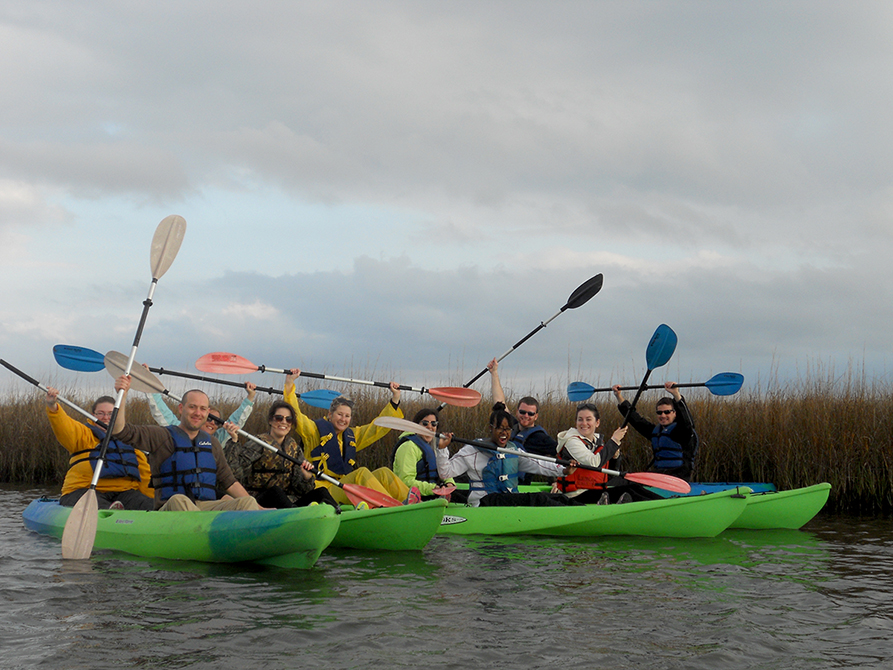 Students kayaking on lsu architecture field trips
