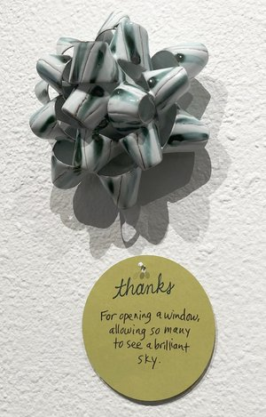 Mikey Walsh silver ceramic bow