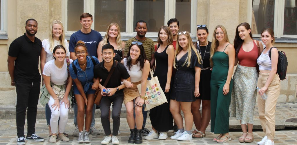 Group of students in Paris