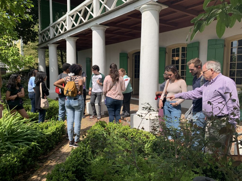 Students in front of historic plantation home